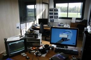 Mon bureau et mon quotidien de l'époque : caméra, voix off et foot h24...
